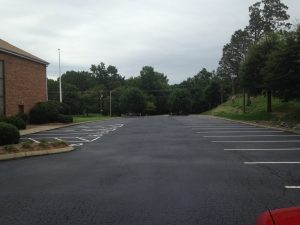 Hire the Best Asphalt Sealcoating Services of the Top Paving Company
