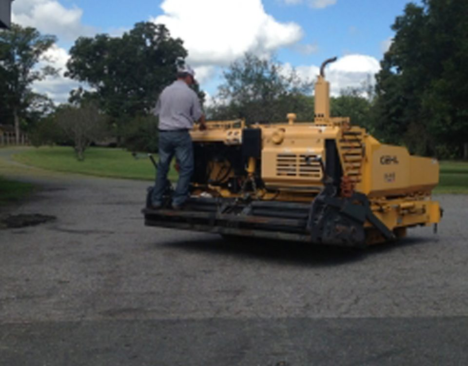 Select a Reputed Paving Company for Asphalt Sealcoating